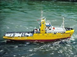 Happy Hunter Salvage Tug with Fitting Set